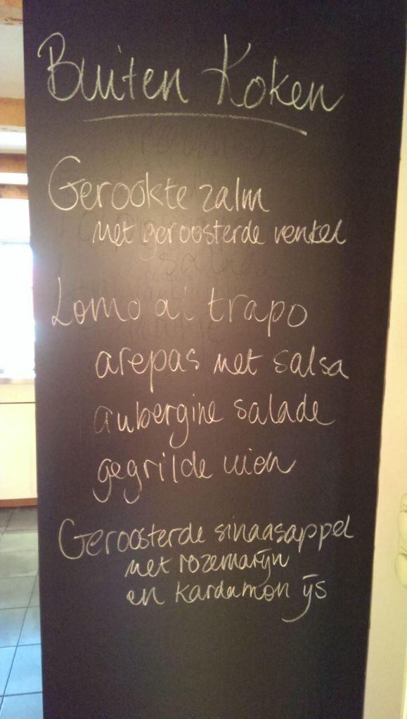 Het menu van de buiten kookworkshop