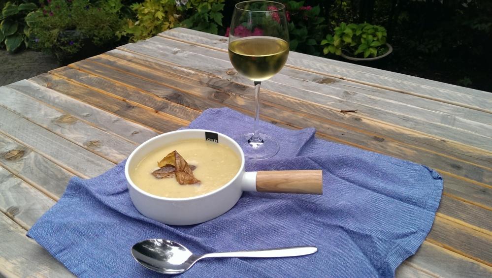 Potato leek soup with potato skin